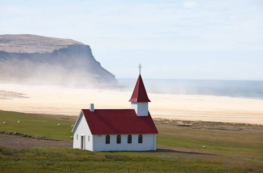 non-denominational pastor