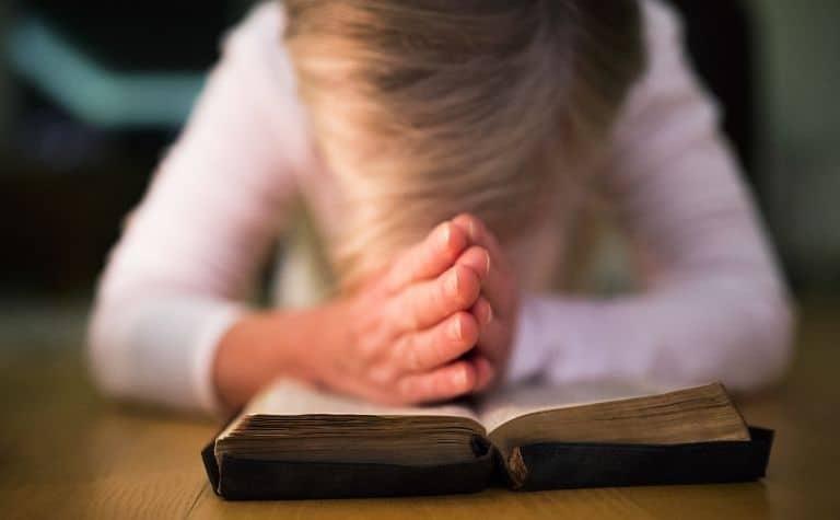 Lutheran woman praying