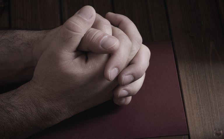 people in heaven praying