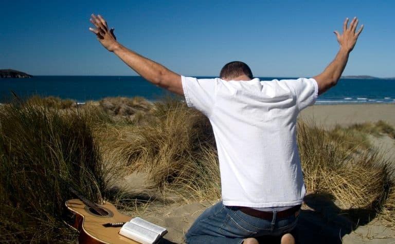 Pentecostal worship prayer